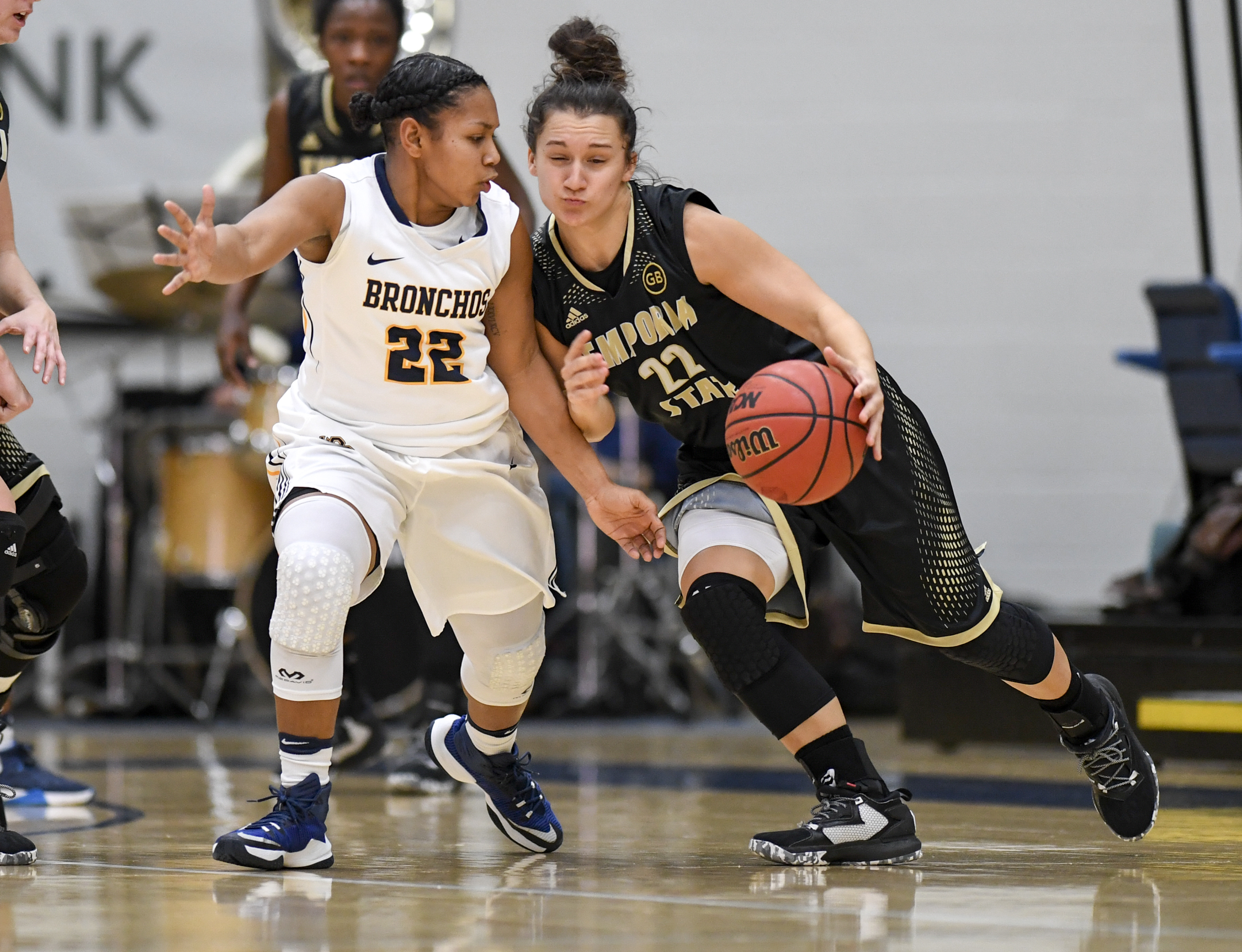 Women's basketball: Bronchos Upset 2nd-Ranked Emporia State