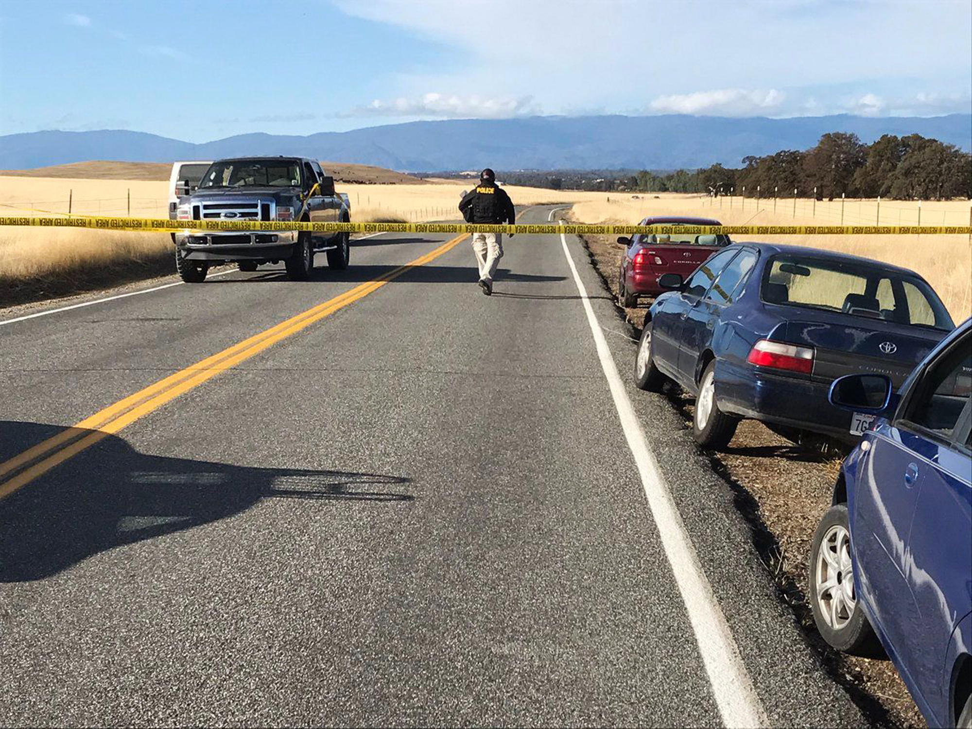 Gunman targets people at random in California town, kills 4