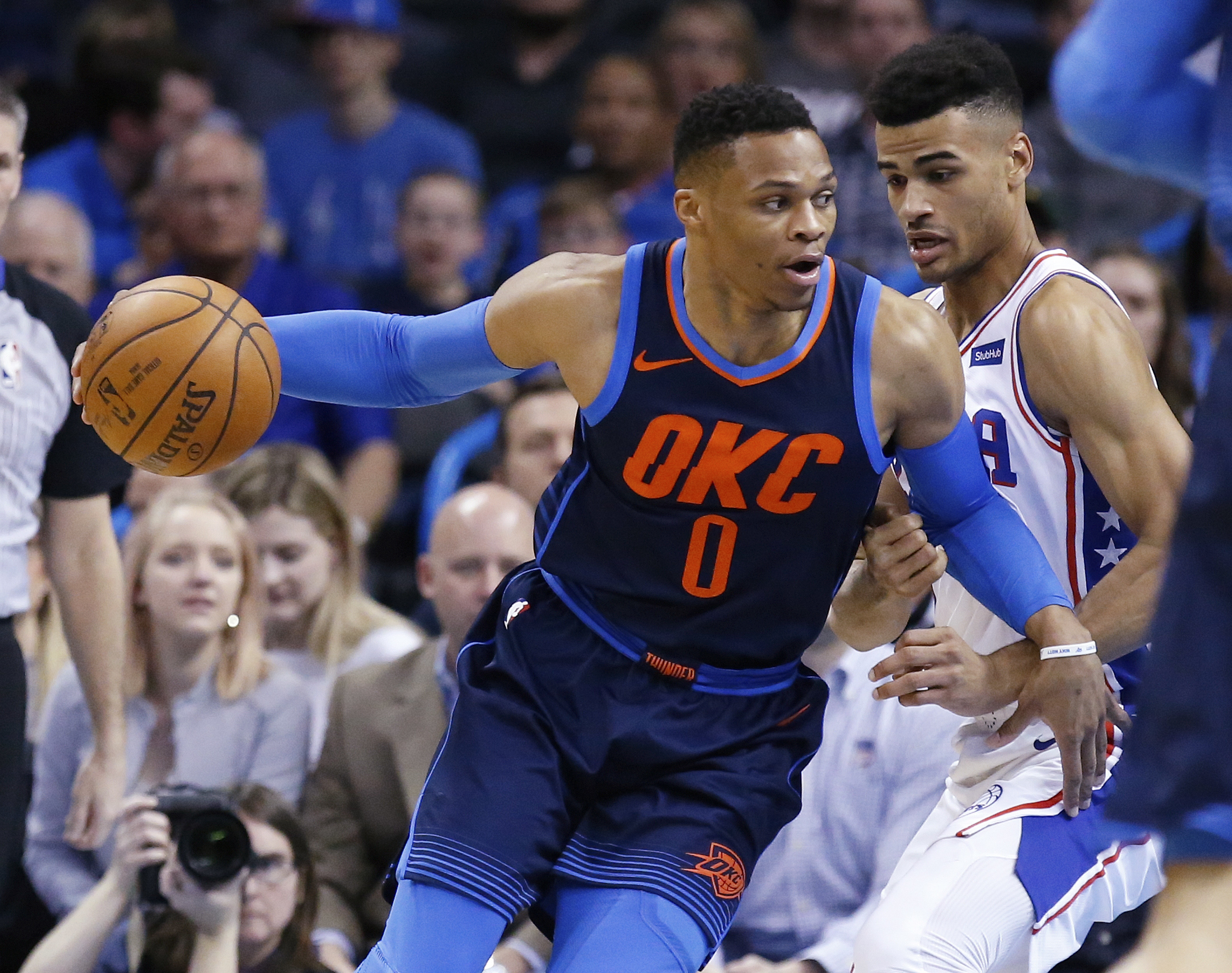 Westbrook's 37 Lead Thunder Past 76ers for 8th Straight Win