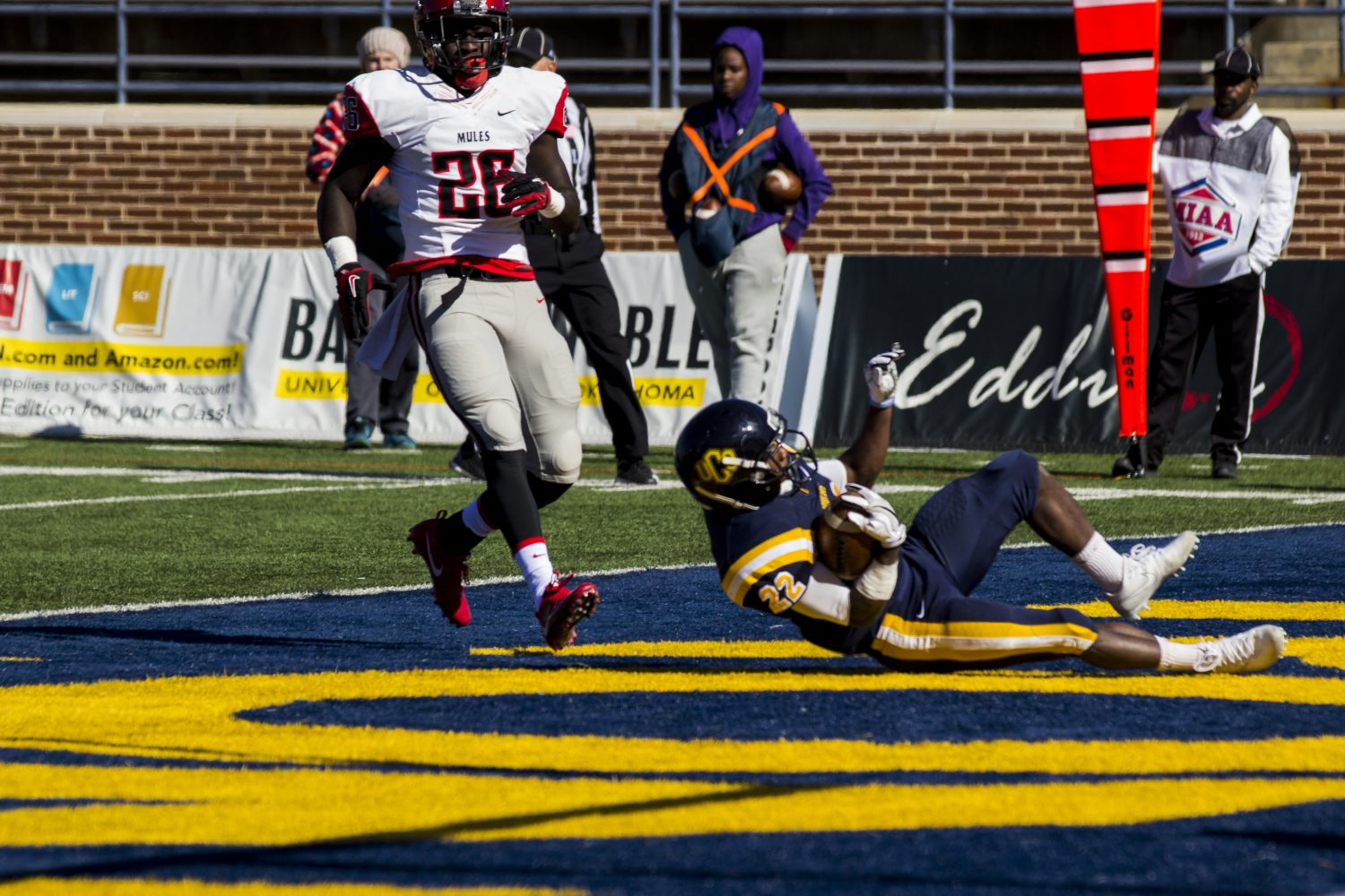 UCO Football Upsets No. 23 Central Missouri 48-30