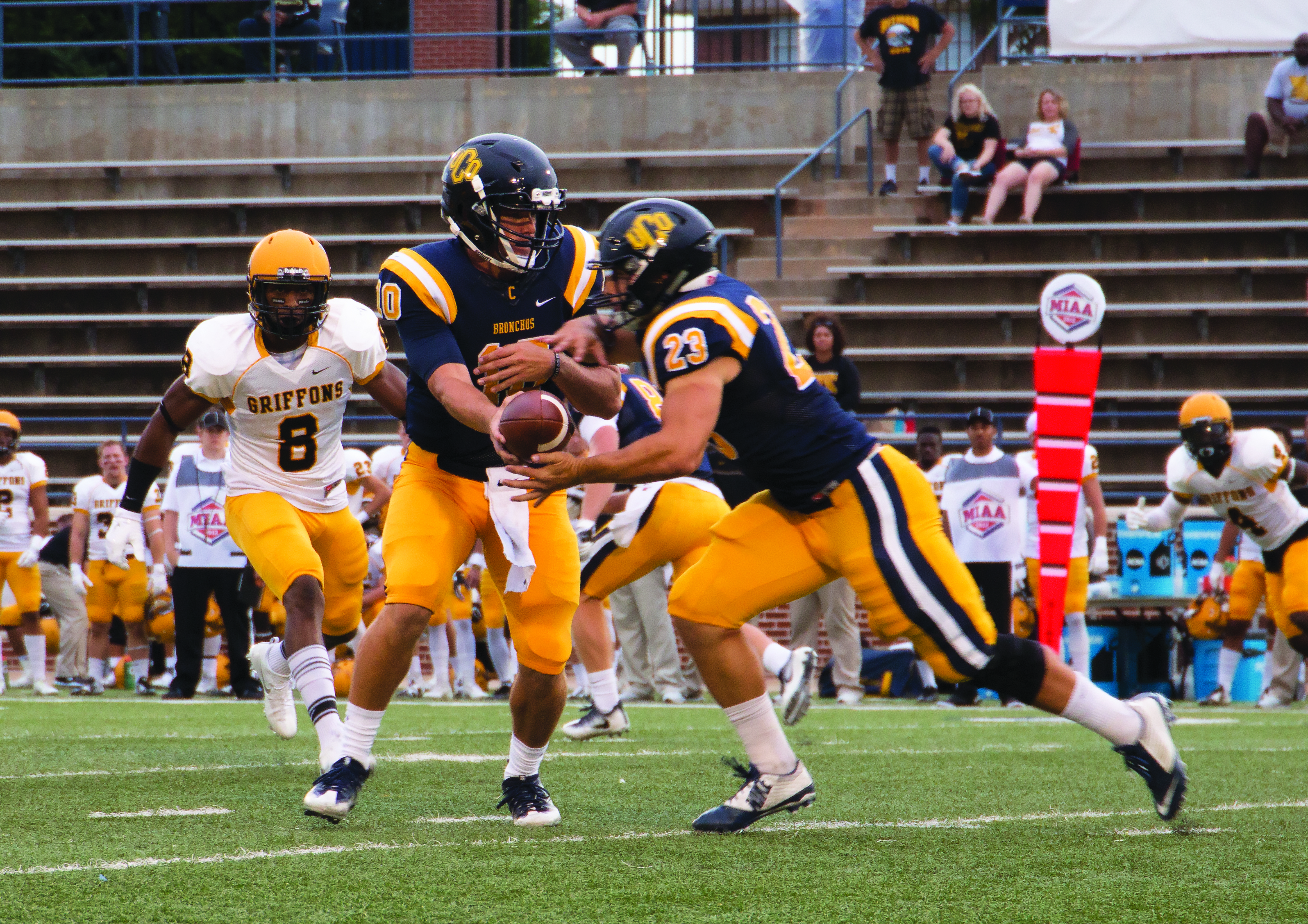 Bronchos' Backfield Ready To Run Wild